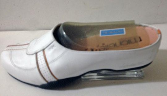 Michelle K Leather New In Box White Mules