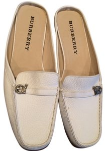 Burberry London Leather Leather White Flats