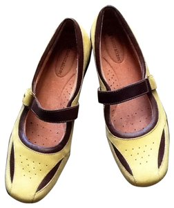 Naturalizer Green & Brown Flats
