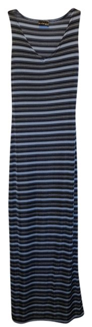 Preload https://item3.tradesy.com/images/blue-striped-stretchy-v-neck-sleeveless-navy-long-casual-maxi-dress-size-2-xs-1047892-0-0.jpg?width=400&height=650