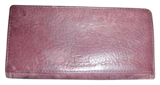 Preload https://item5.tradesy.com/images/fossil-brown-clutch-wallet-1048169-0-0.jpg?width=440&height=440