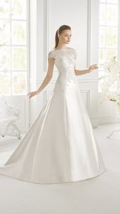Pronovias Gradiva Wedding Dress