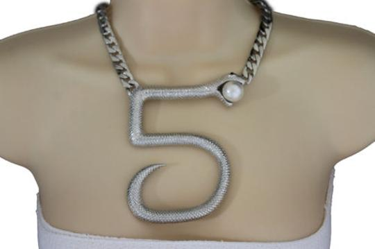 Preload https://img-static.tradesy.com/item/10481983/women-silver-short-necklace-thick-metal-chains-big-five-snake-fashion-jewelry-0-0-540-540.jpg