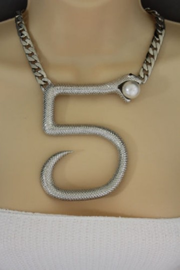 Other Women Silver Short Necklace Thick Metal Chains Big Five Snake Fashion Jewelry