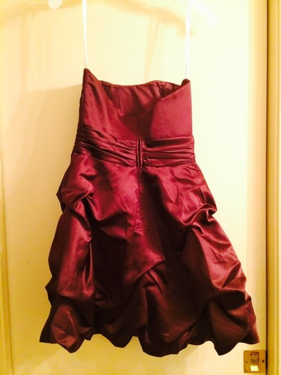 David's Bridal Plum Short Strapless Pick Up 84091 Feminine Bridesmaid/Mob Dress Size 2 (XS)