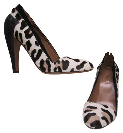 Preload https://item2.tradesy.com/images/alaia-leopard-ponyhair-leather-pumps-size-us-7-regular-m-b-10483666-0-1.jpg?width=440&height=440