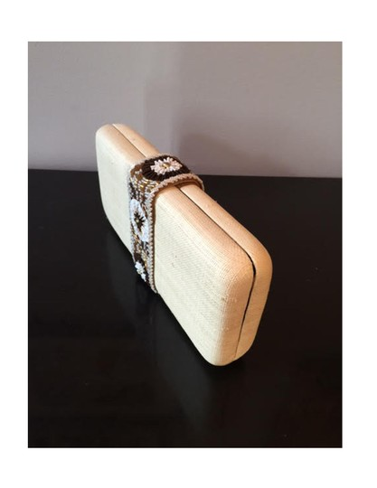 Tommy Bahama White Beads natural Clutch
