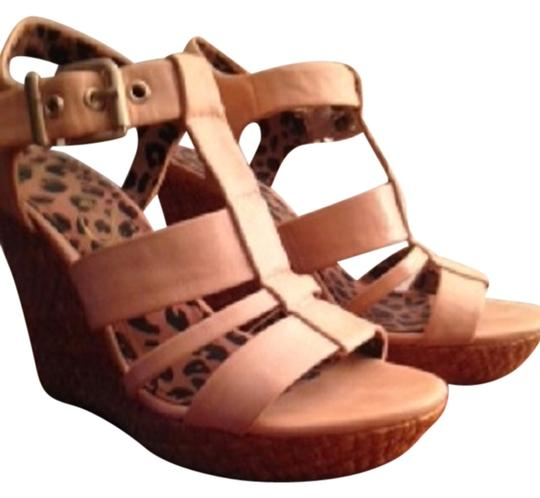 Preload https://item5.tradesy.com/images/jessica-simpson-nude-sandals-size-us-7-regular-m-b-10484554-0-1.jpg?width=440&height=440