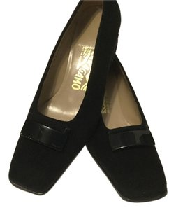 Salvatore Ferragamo All Leather Emblem Black Pumps