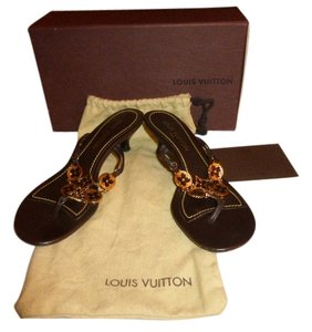 Louis Vuitton BROWN LEATHER GOLD ORNAMENTS Mules