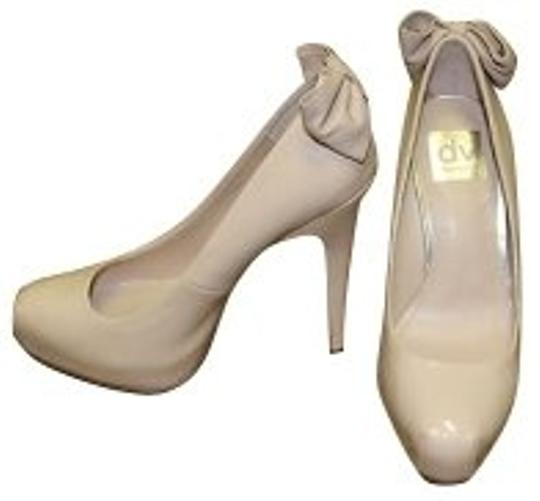 Preload https://item5.tradesy.com/images/dolce-vita-nude-pumps-size-us-6-regular-m-b-1049-0-0.jpg?width=440&height=440