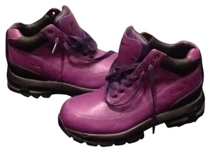 Purple orginal Nike ACG - orginal all trac style with bubble around entire bottom Purple with black sole Boots