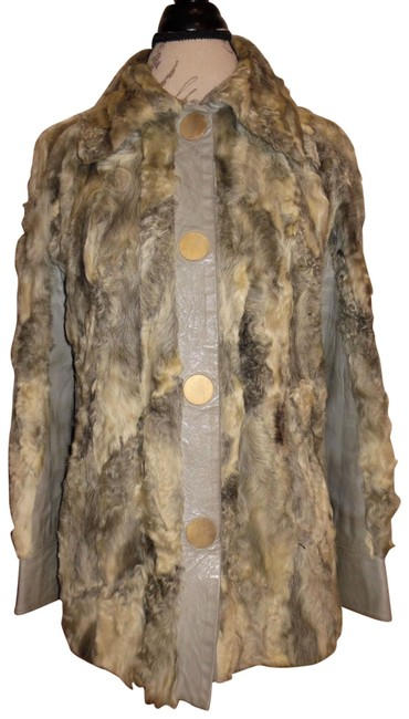 Preload https://item4.tradesy.com/images/gray-white-ivory-vintage-retro-1970s-1980s-lambswool-fur-coat-size-12-l-10493803-0-3.jpg?width=400&height=650
