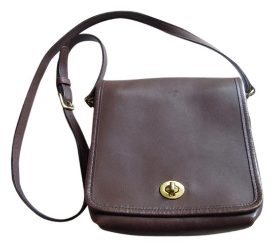 Preload https://item3.tradesy.com/images/coach-m8p-9076-brown-leather-cross-body-bag-1049602-0-0.jpg?width=440&height=440
