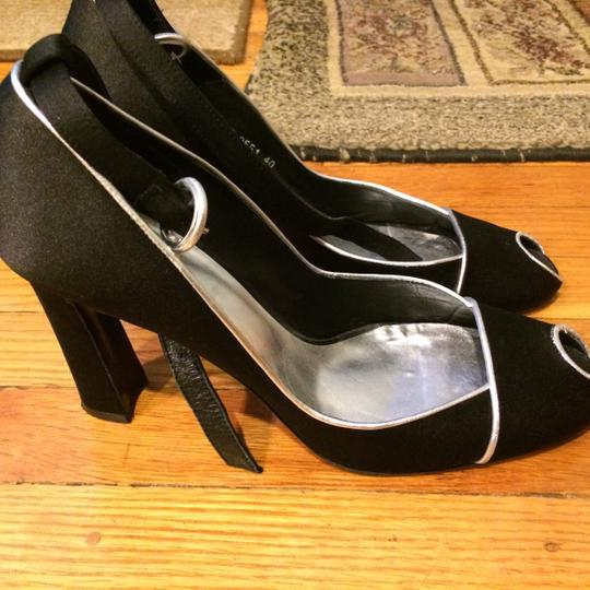 Paco Gil Black with silver trim Pumps
