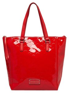Marc Jacobs Mj Tote in Red