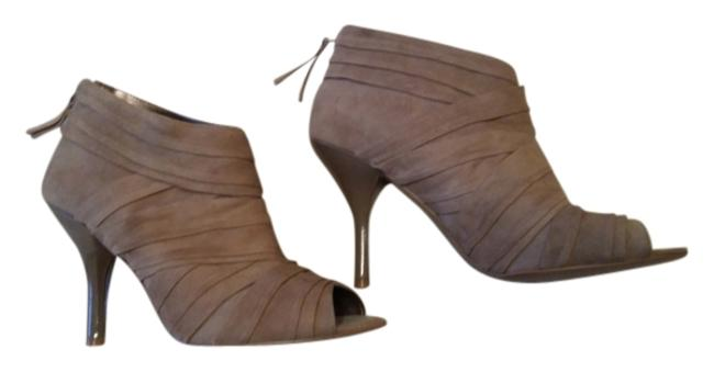 Item - Taupe Suede Gold Tone Heel Zipper with End Tassel. Boots/Booties Size US 9.5 Regular (M, B)
