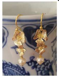 Crystazzi Glass Pearl Earring 6mm With 24k Gold Plated Orchid Flower. Great For Bridesmaids Or Bride.
