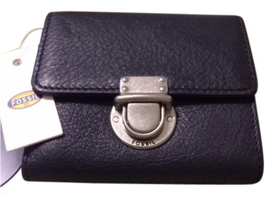 Preload https://item2.tradesy.com/images/fossil-black-leather-wallet-10508446-0-2.jpg?width=440&height=440
