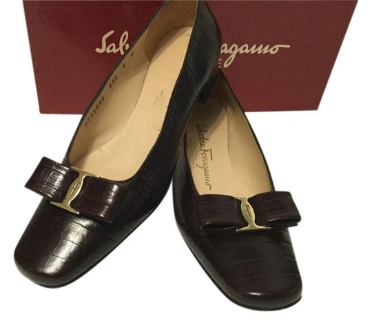 Preload https://item1.tradesy.com/images/salvatore-ferragamo-dark-brown-embossed-bow-pumps-size-us-6-regular-m-b-10508695-0-1.jpg?width=440&height=440