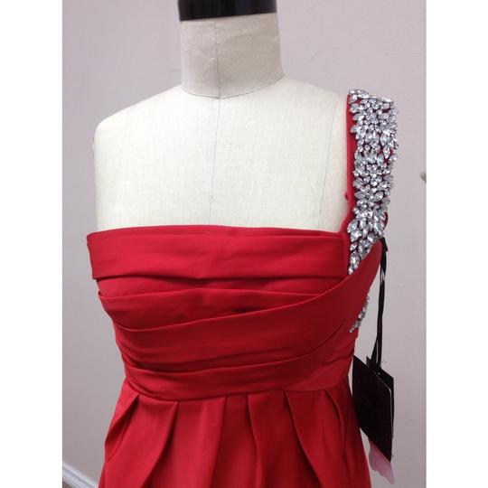 Pronovias Passion Red Satin Honduras New Formal Bridesmaid/Mob Dress Size 6 (S)