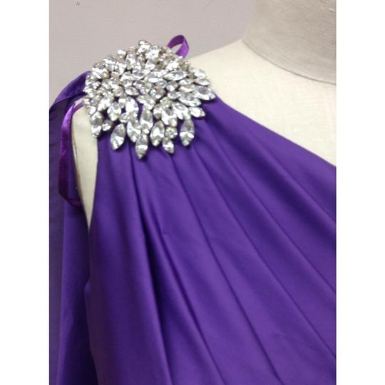 Pronovias Amethyst Satin Hispanica Formal Bridesmaid/Mob Dress Size 8 (M) Image 2