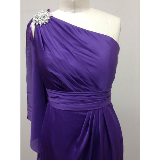 Pronovias Amethyst Satin Hispanica Formal Bridesmaid/Mob Dress Size 8 (M) Image 3