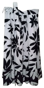 Lafayette 148 New York Floral Fully Lined Skirt Black and white