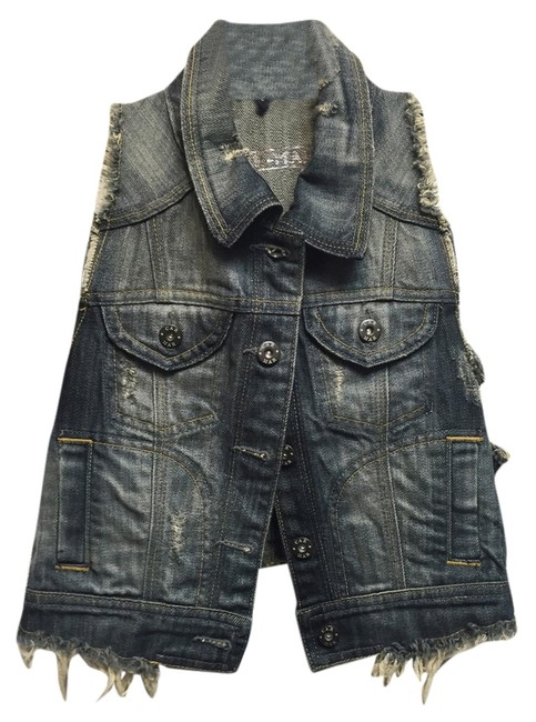 Preload https://img-static.tradesy.com/item/10511152/carmar-cropped-denim-frayed-vest-size-4-s-0-1-650-650.jpg