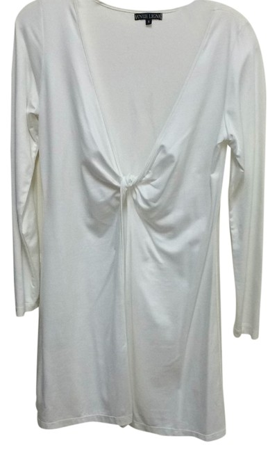 Preload https://item4.tradesy.com/images/white-tunic-size-4-s-10511593-0-1.jpg?width=400&height=650