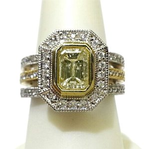 Kitaan Light Yellow 1.16 Carat Emerald Cut Diamond Ring in 18 K White Gold
