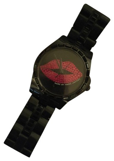 Preload https://item2.tradesy.com/images/marc-jacobs-blac-watch-10512991-0-1.jpg?width=440&height=440