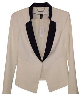 White House | Black Market Winter white/black lapel Blazer