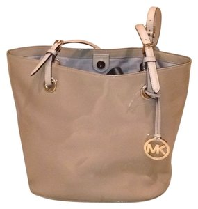 Michael Kors Tote in Nude