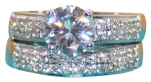 Other 2PC Super Sparkly Wedding Ring Set