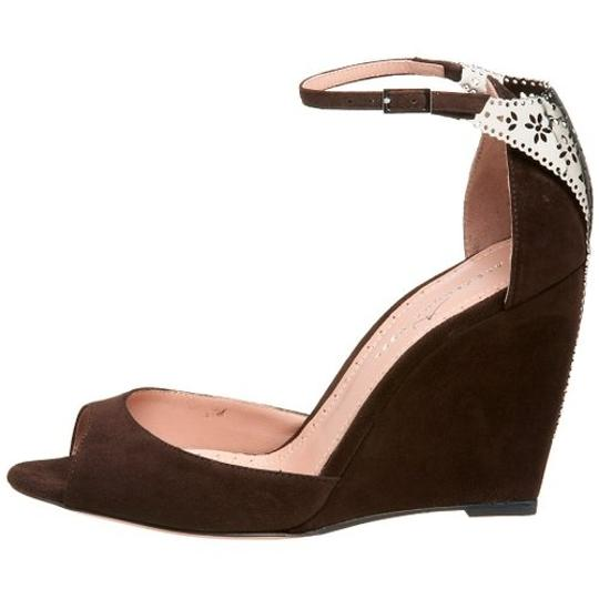 Alexandra Neel Suede Metal Harware Leather Filagree Brand New Chocolate Brown Sandals Image 2