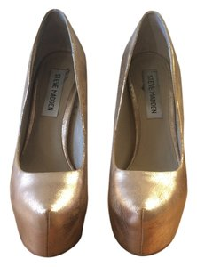 Steve Madden Gold Pumps