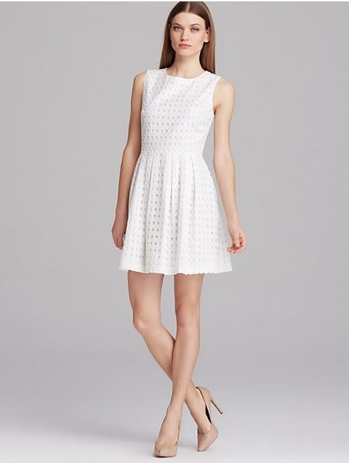 Preload https://img-static.tradesy.com/item/1053554/vince-camuto-2-or-4-or-6-fun-and-flirty-cotton-eyelet-short-casual-dress-size-6-s-0-0-650-650.jpg