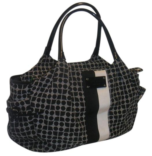 Preload https://item2.tradesy.com/images/kate-spade-classic-stevie-large-travel-purse-black-and-white-shoulder-bag-10536706-0-1.jpg?width=440&height=440