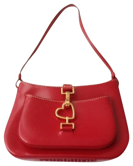 Preload https://item4.tradesy.com/images/moschino-bright-pure-red-polished-calf-leather-baguette-1053688-0-1.jpg?width=440&height=440