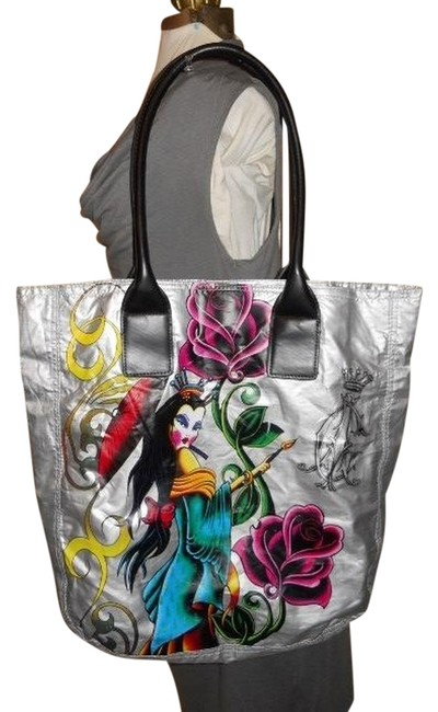 Item - Silver Unknown Tote