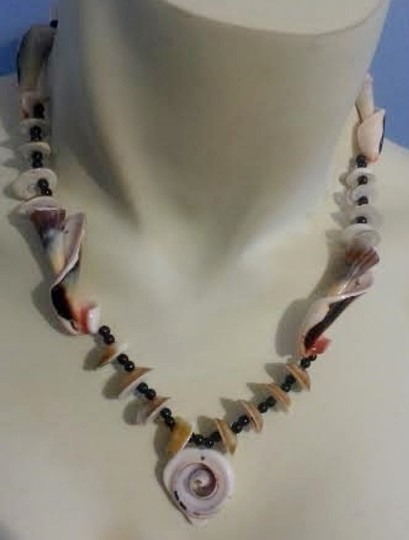 Other Mermaid jewels...shell necklace