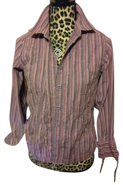 Preload https://item3.tradesy.com/images/columbia-sportswear-company-purple-pink-button-up-blouse-medium-button-down-top-size-8-m-10539052-0-1.jpg?width=400&height=650