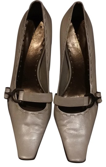 Preload https://img-static.tradesy.com/item/10539121/bcbgmaxazria-cream-formal-shoes-size-us-8-regular-m-b-0-1-540-540.jpg