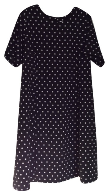 Preload https://item1.tradesy.com/images/chelsea-studio-black-with-white-polkadots-long-workoffice-dress-size-18-xl-plus-0x-10540180-0-1.jpg?width=400&height=650