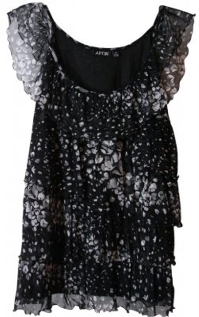 Preload https://item2.tradesy.com/images/apt-9-black-and-white-sleeveless-dressy-ruffled-layered-blouse-size-8-m-10541-0-0.jpg?width=400&height=650