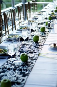 Black and White Damask Table Runners Tableware