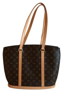 Louis Vuitton Canvas Gold Hardware Shoulder Bag