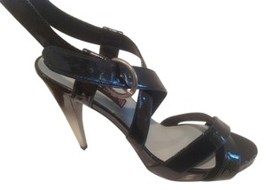 Steven by Steve Madden Two Tone Color Slim Heel Black Sandals