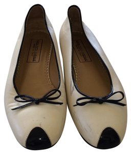 Saks Fifth Avenue Off White w Black Flats